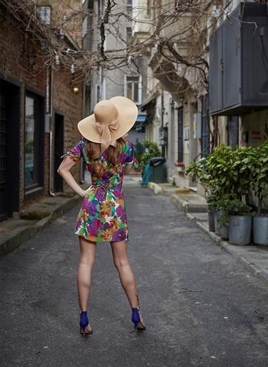 Laslusa İçten Ayarlanabilir Hasır Geniş Fiyonklu Şapka Bej